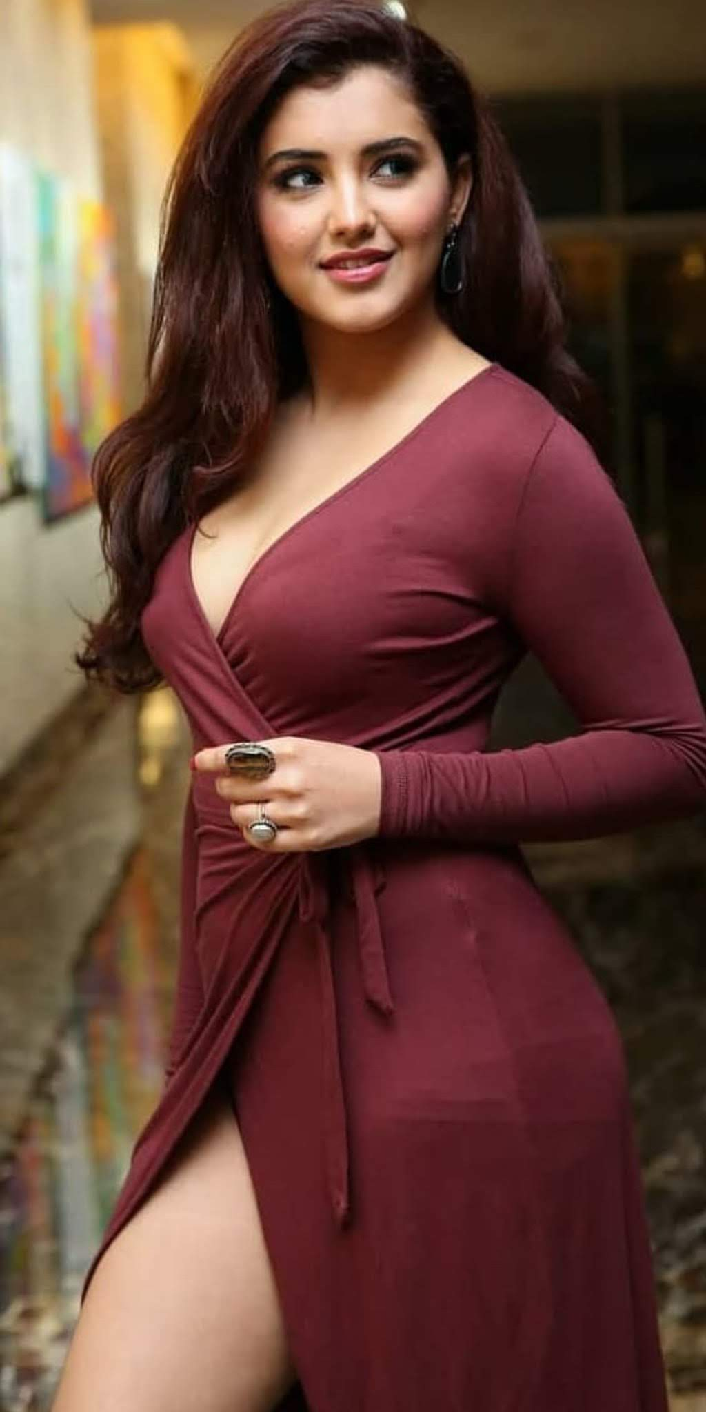 malvika-sharma-hot-sexy-1441324